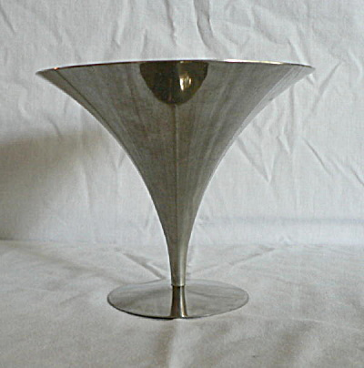 Moderne Footed Chrome Compote