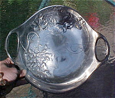 Kayserzinn Handled Bowl With Grapes