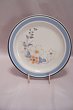 Japan Floral Decorated Stoneware Dinner Plate