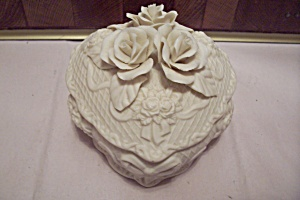 White Porcelain Heart Shaped Flower Decorated Music Box