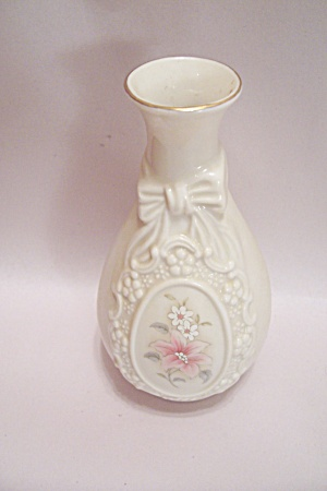 Royal Heritage Collection Porcelain Cameo Ribbon Vase
