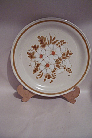 Mountain Wood Dried Flowers Stoneware Dinner Plate