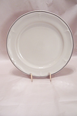 Southampton Stoneware Collection Dinner Plate