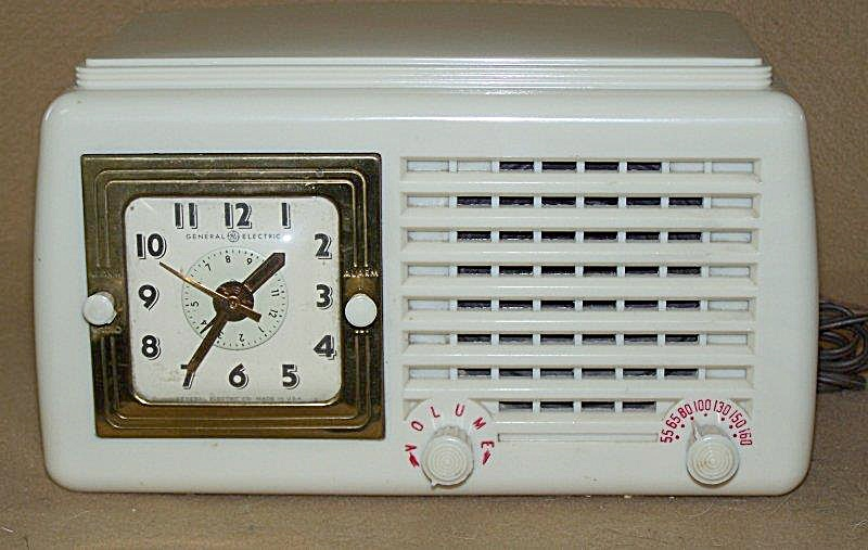 1951 Ge Clock Radio Model 50