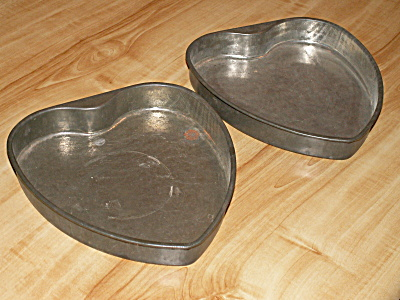 Vintage Matching Pair Heart Shaped Baking Cake Pans 9 3/8 Inches