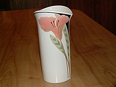 Lovely Villeroy & Boch Iris Peach Black Vase, 7.75 Inches, Luxembourg