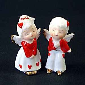 Napco Mini Bone China Kissing Angels Valentine Hearts