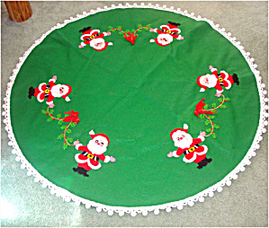 Felt Christmas Tree Skirt With Embroidered Santa Claus Decoration