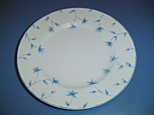 222 Fifth Cornflower Dinner Plates