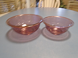 Pyrex Cranberry Set Of 2 Stacking Mixing Bowls