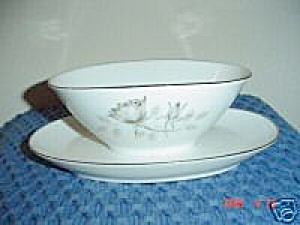Rosenthal Bettina 3436 Gravy Boat W/attached Tray