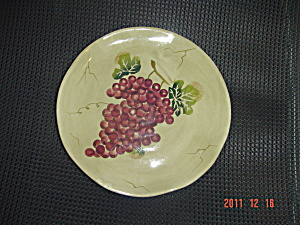 Tabletops Gallery Cabernet Red Grape Round Salad