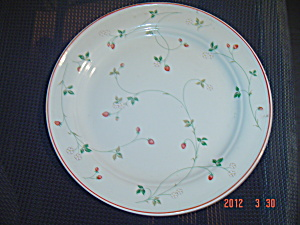 Noritake Epoch Strawberry Time Chop Plate Or Round Platter