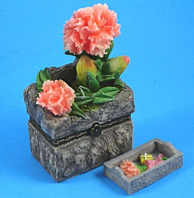 Direct Connection Resin Carnation Trinket Box