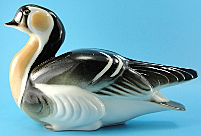 Lomonosov Porcelain Red-breasted Goose