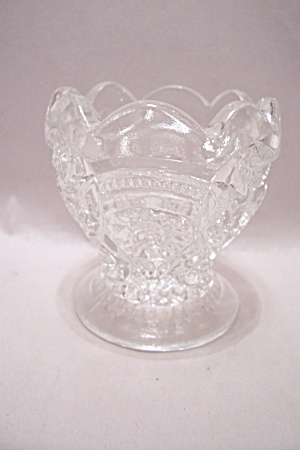 Crystal Pattern Glass Pedestal Roothpick Holder