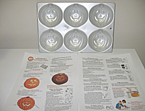 Wilton 1983 Mini Pumpkin Muffin Cake Pan Halloween