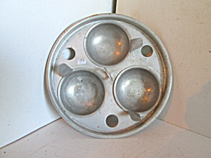 Vintage Royal Chef Triple Egg Poacher Center