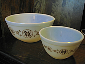 Vintage Corning Pyrex Town & Country Nesting Bowl Set