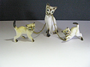 Vintage Porcelain Siamese Mom & Kittens On Chain