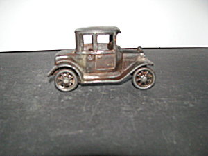Vintage Arcade Cast Iron Model T Ford Coupe