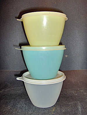 Vintage Tupperware Set Of Storange Bowls W/lids