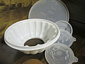 Tupperware Covered White Jello Mold Bowl
