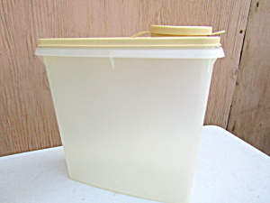 Tupperware Super Server Harvest Gold Lid Cereal Keeper