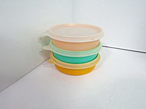 Vintage Tupperware Small Round Wonder Colored Bowls