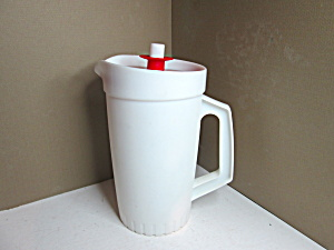 Vintage Tupperware 1 Quart White Pitcher