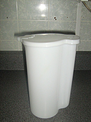 Vintage Tupperware 2 Quart White Pitcher