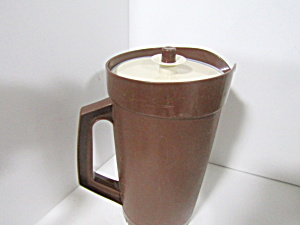 Tupperware Vintage Harvest Brown Two Quart Pitcher
