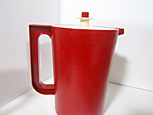 Tupperware Vintage Cranberry Red 2 Quart Pitcher