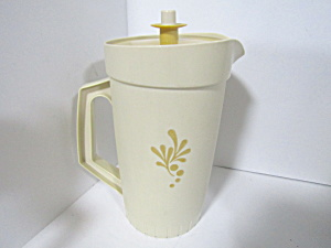 Vintage Tupperware Almond Harvest Gold 1 Qt Pitcher