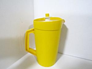 Vintage Tupperware Sunshine Yellow 1 Qt Pitcher