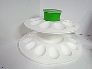 Tupperware Egg-ceptional Server Keeper