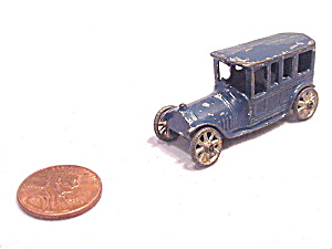 Blue 1909-1911 Tootsietoy Penny Toy Limousine / Car