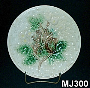 "8"" Majolica Blackberry & Basketweave Plate"