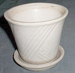 Small Brush Violet Pot Ivory Repeating Checks