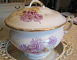 Royal Porcelain Chamber Pot