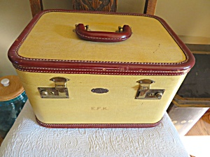 Vintage Toiletry Train Case