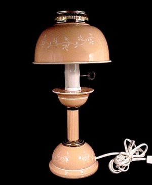 Mid Century Vintage Metal Toleware Desk Table Lamp Peach White