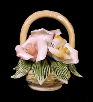Floral Porcelain Basket Pink & Peachy Rose Blossoms New
