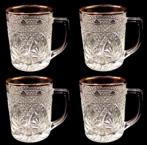 Lumincarc Arcoroc Mugs Antique Pattern W Gold Set Of 4