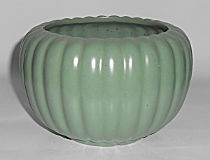 Bauer Pottery Tracy Irwin Satin Green Pumpkin Bowl Mint