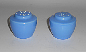 Vernon Kilns Pottery Ultra California Blue Salt Pepper