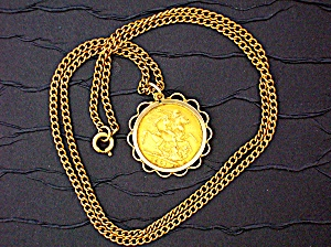 Pendant Gold Sovereign Queen Victoria Widow Surroun
