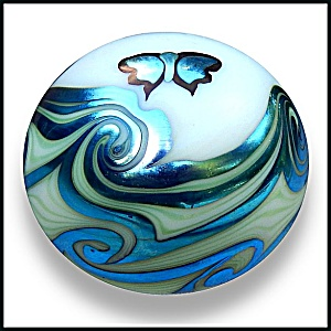 Lundberg Studios 1973: Butterfly And Waves Paperweight (Sl)