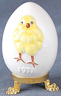 Vintage Goebel Chick Easter Egg On Stand