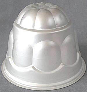Vintage Wear Ever Aluminum Dome Jello/gelatin Mold